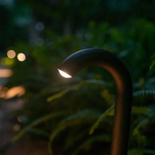 den-led-spotlight-nam-san-vuon-hien-dai-ip65-ngoai-troi-chong-nuoc-cao-cap-dl-svt13-2