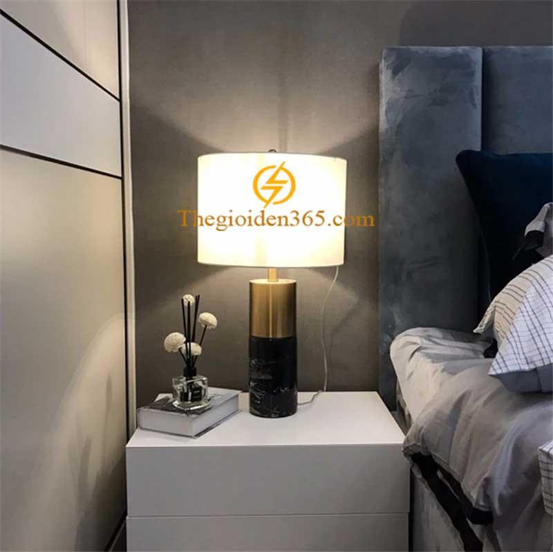 Đèn bàn trang trí phòng ngủ, phòng khách chân đá chao vải H52cm cao cấp TL-DN04-2