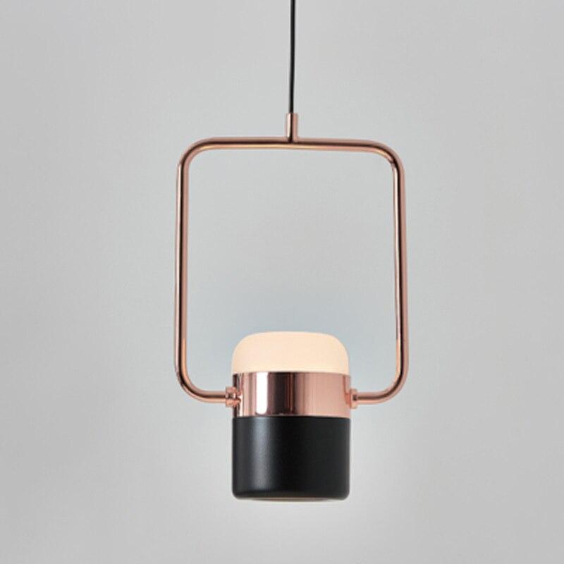 den-tha-ban-an-hien-dai-1-bong-LED-vo-black-gold-cao-cap-details-d18